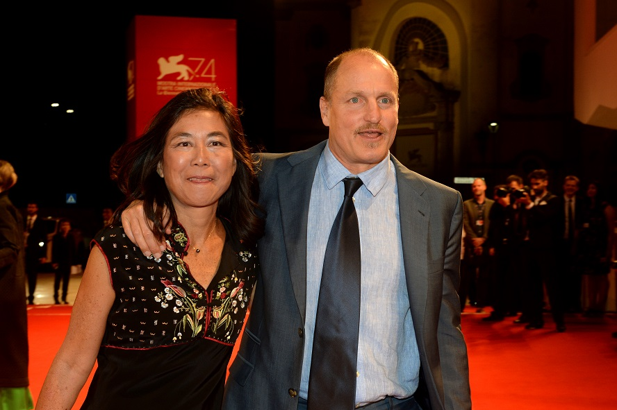 - Laura Louie - Woody Harrelson -